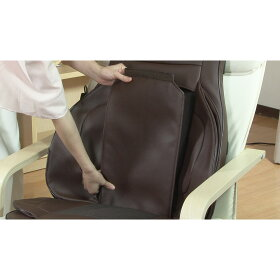 付属の緩衝シートを背中に付ければもみ心地の強さを調整できます
