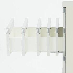 引き出し全段に、吸い込まれるように静かに閉まるサイレントシステム採用。