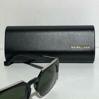 Balenciaga バレンシアガ ユニセックス ウェイフェラー サングラス ブラックフレーム/グリーンレンズ Black Wayfarer with Green Lenses Unisex Sunglasses