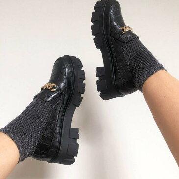 RAID Alessioチャンキーフラットシューズ、ブラッククロックスのゴールドチェーンディテール 靴 レディース 女性 インポートブランド 小さいサイズから大きいサイズまで 20代 30代 40代 50代