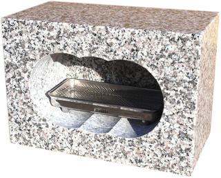 中国産白御影石(G623)角型香炉、4面磨きサイズ約幅30×奥行15×高さ21cm中国産の白御影石(G623)を茨城県の自社工場で加工しました。【空気穴加工】【ステンレス受皿付】