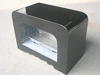 墓石用角型香炉黒御影石サイズ約幅30×奥行15×高さ約21cm【送料無料】【空気穴加工】