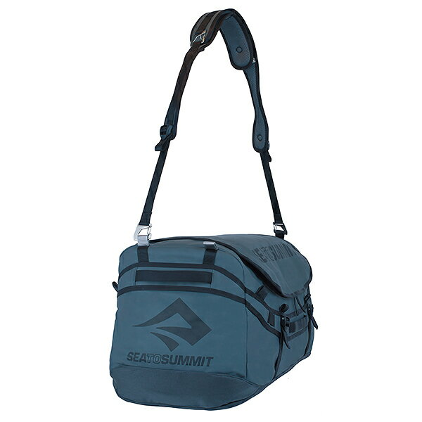 1429d922f878 多くの機能を盛り込んでエクスペディションまで対応するダッフルバッグ。  リッドを最大限大型にすることで下部へのアクセスもしやすく、かさばる荷物にもフィットし ...