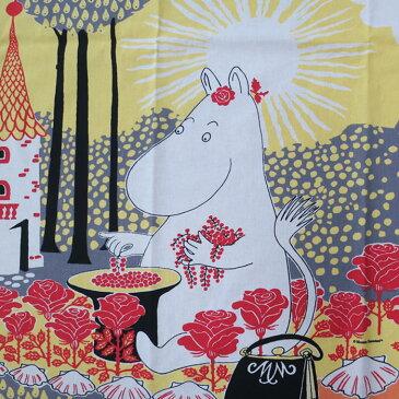 RUUSUMUUMI desigh FINLAYSON (パネル販売) ムーミンママと花畑 シーチング生地 (約64cm単位) (ネコポス可能)