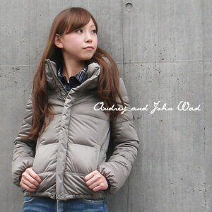 Compact table fabric in stretchy fabrics employed, but easy to move short down coat / long sleeve / zip up pocket with / アパデパ / spring jacket ◆ Audrey and John Wad ( オードリーアンドジョンワッド ): ストレッチショート down jacket 87504