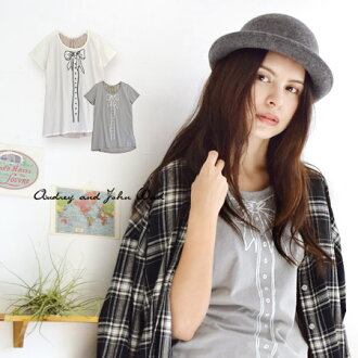 Of pretty ribbon deceive; a picture print short sleeves T-shirt. Different fabrics MIX design / Lady's Tee/ cut-and-sew /fs3gm ◆ Audrey and John Wad (オードリーアンドジョンワッド) where a cut-and-sew place, the background were rayon cloths, and the front was changed: