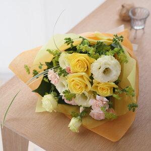 元気いっぱい、淡いパステルトーンの花束花束「パステル・スイーツ」