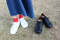 _ウォーキングなどに最適な、動きやすいパンチングコンフォートシューズ|10811(ライトブルー、オフホワイト、ピンク)おしゃれ本革カジュアル健康靴疲れにくいお出掛け通気性外反母趾足ツボ