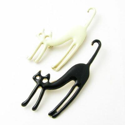 ブローチ ピン 白猫 黒猫KS40026 ネコ ねこ キャット ピンバッチ【ラペルピン】