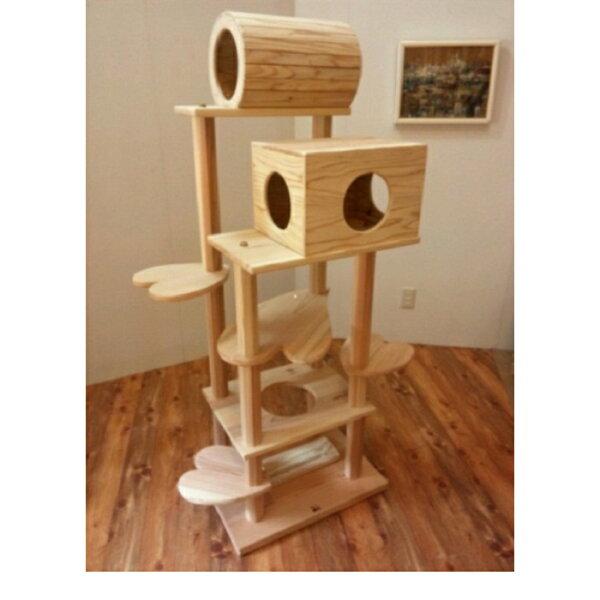 商品名:『猫まみれツリーハウス』宮大工さん手作り仕上げ  木製キャットタワー(おしゃれなハート型踏み台)◎お掃除簡単で何といって