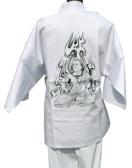 背中に不動明王が大きく入っており、全国の三十六不動霊場巡拝にお勧めの白衣です。着用白衣/三十六不動霊場 袖付き
