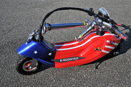 折りたたみ式電動スクーターキックボードE302