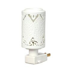 ほのかな明かりと心地よい香りを一緒にお楽しみいただけるコンセント式のアロマランプです。エ...