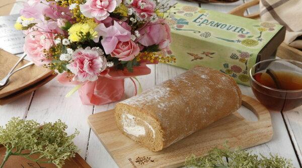 砂糖不使用 お花のアレンジとロールケーキセットバースデーギフトスイーツギフト母の日特集2021お買い物マラソン