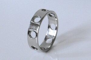 男性向けチタンリング・サークルホー(ライン)・鏡面仕上げ・平角形状・5mm幅
