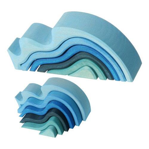 Grimm's Spiel & Holz Design グリムス社 エレメント積み木 ミニウエーブ〜ドイツ・グリムス社の波がモチーフの美しい色彩の積み木です。子供たちの想像力の赴くままに遊べる積み木です。