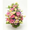季節のお花おまかせフラワーアレンジMサイズ赤・ピンク系