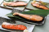 【ふるさと納税】ブランド銀毛鮭「銀聖」と3種の鮭の切身セット[02-029]