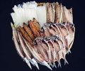 【ふるさと納税】伊豆・伊東干物セット上トロあじ8枚鯖味醂3枚塩鯖3枚特上本かます3枚特大イカ2枚セットひもの佐々木海産の詰め合わせ