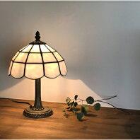 【ふるさと納税】【Nijiiro Lamp】ステンドグラスのテーブルランプ 木漏れ日 ホワイト【1219656】