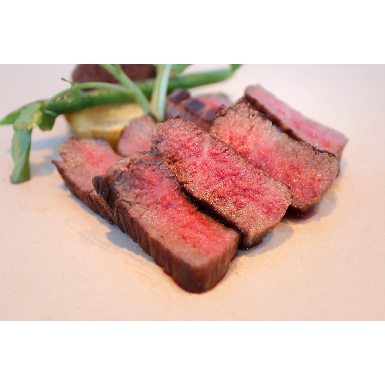 【ふるさと納税】「肉's Kitchen きたうち」ふるさと納税限定! 八重山郷里牛上モモ肉コース