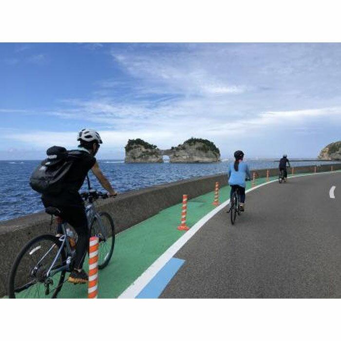【ふるさと納税】南紀熊野ジオパークガイドと巡る!白浜周遊サイクリング(クロスバイク)