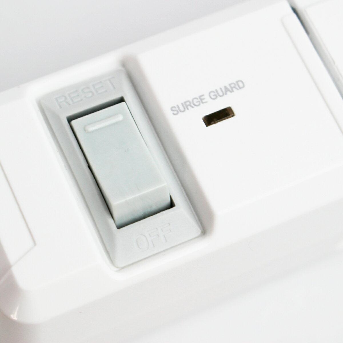 クリアランスセール 2色カラー 電源タップ 回転 おしゃれ インテリア デザイン TAPKING タップキング ホワイト/ネイビー AC6個口 雷サージガード 絶縁キャップ付 延長コード 2m OAタップ