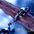 4スカル&スネーク(髑髏と蛇の鱗)デザイン メタルブラックカラー メンズ ブレスレット【T字フック&アラベスク彫り留め具】
