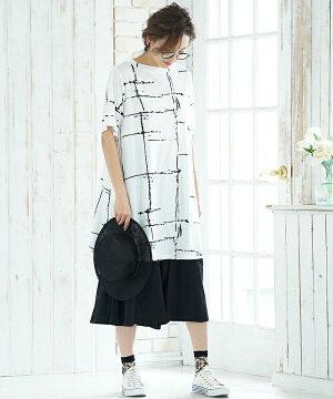 KOIBITOMISAKIペイント柄AラインTシャツM-Lサイズ半袖チュニックトップスフレア柄綿100Tシャツクルーネックモードゆったり30代40代50代個性的大きいサイズ