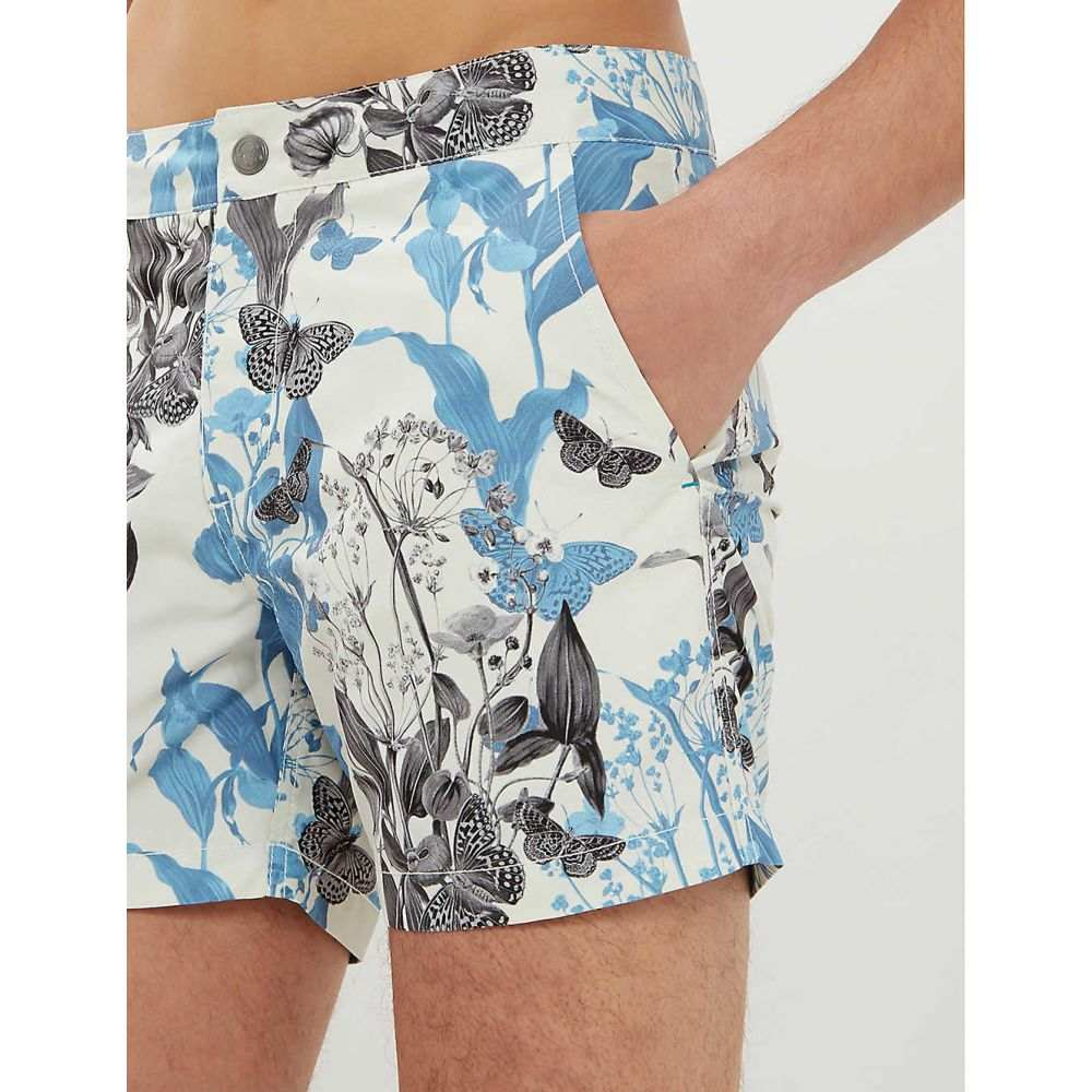 リズ RIZ メンズ 水着・ビーチウェア 海パン【Buckler graphic-print swim shorts】Chalk
