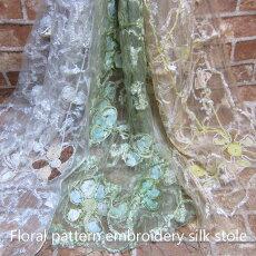 透ける薄さの花刺繍エレガントシルクストール