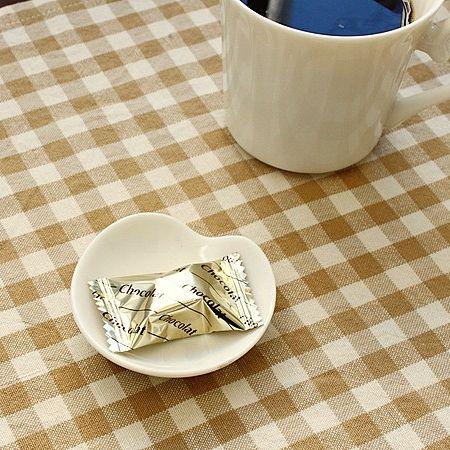 アイボリー ハートの豆皿(洋食器 お皿 小皿 プレート 醤油皿 カフェ カフェ風 カフェ食器 業務用 業務用食器 アウトレット 訳あり 多治見美濃焼 日本製)