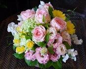 パステルカラーナチュラルアレンジ,生花,アレンジメント,淡い色合い,パステルカラー,やさしい色合い,ナチュラル,自然,出産祝い,お祝い,新宿,四谷,花屋,シャムロック,楽天市場