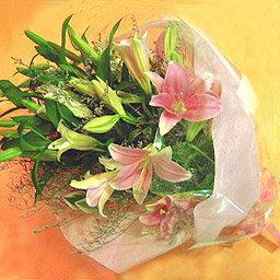 薔薇のシルエットが美しい花束です ハートの形のバラブーケ ハートローズ お誕生
