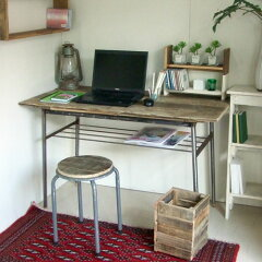レトロなスチール脚を使ったテーブル天板はリサイクルウッドでハンドメイドしました【送料無料...