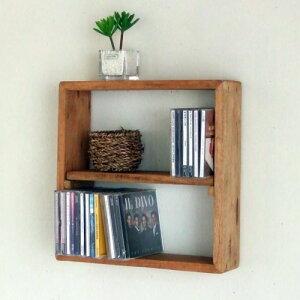 壁に掛けたり、テーブルの上に置いたりできるボックスシェルフCDは2段で60枚収納できますリサイ...