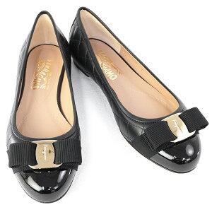サルヴァトーレ フェラガモ Salvatore Ferragamo 靴 レディース ヴァラ リボン付き ローヒール パンプス ブラック(VARINA Q 0672100 NERO)【あす楽対応】