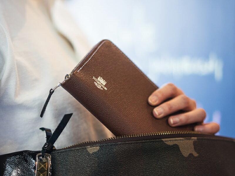 ホワイトハウスコックス【WhitehouseCox】型番:S2622(ネイビー×レッド)ロンドンカーフ×ブライドルレザーロングジップラウンドウォレット長財布