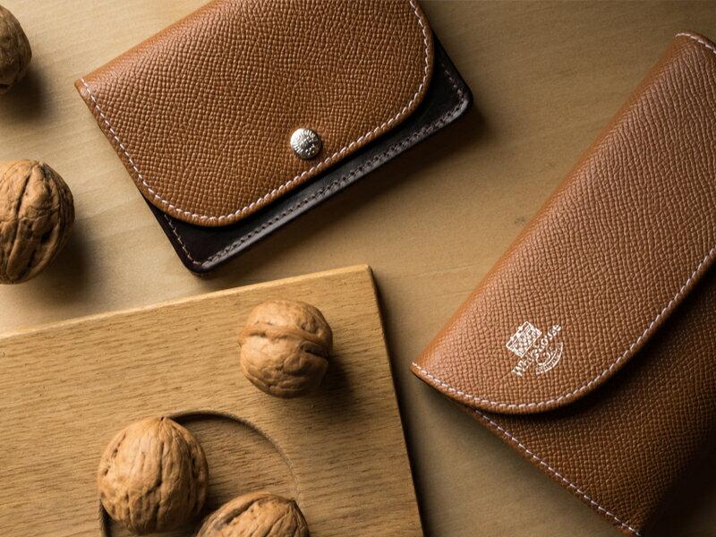 ホワイトハウスコックス【WhitehouseCox】型番:S7660(ネイビー×レッド)ロンドンカーフ×ブライドルレザーコインケース付三つ折り財布