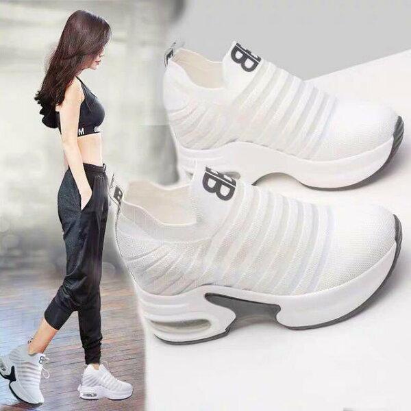 セレブ・モデルも愛用脚長効果大流行 ソール高さ約9cm厚底スニーカーレディース靴運動靴