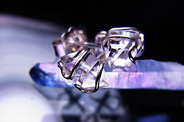 送料無料ハーキマーダイヤモンドスタッドピアスハーキマーダイヤモンド5mm【ヘブン&アース社】×