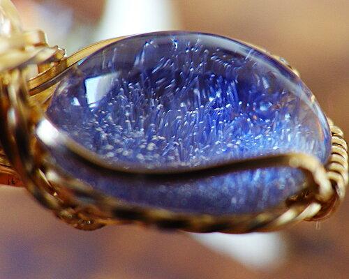 一点物希少デュモルティエライト・イン・クォーツリング針状結晶デュモルテェライト