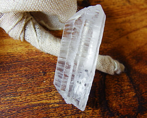 選べるレア天然石モリブデナイトクォーツポイントモリブデナイトインクォーツペンダントネックレスオプションありポイント10倍