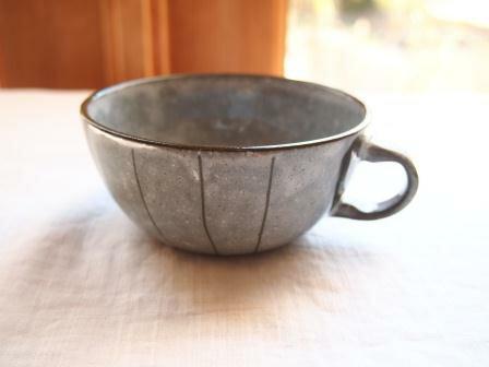 人気和食器 土もの しましま スープカップ グレイ 朝ごはん 取っ手付スープカップ スープマグ【今月のSALE/ fuccaお値打ち価格】