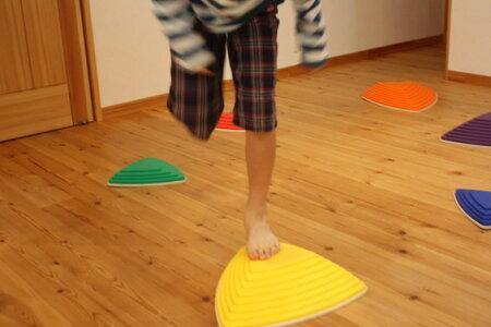 バランス・ストーン子どものバランス感覚を養う室内でも体を使って遊べる飛び石