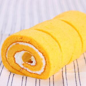 かぼちゃペーストを使った生地で栗入りクリームを巻きました。ロールケーキの宝石箱 [ボワット...