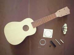 お買い上げ合計¥10000以上で送料無料!HOSCO[ホスコ] 楽器組み立てキット ウクレレ UK-KIT-3
