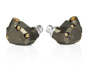 チューブレス(音導管を使用しない設計)という特徴を持ったクアッドドライバー型IEMCampfire A...