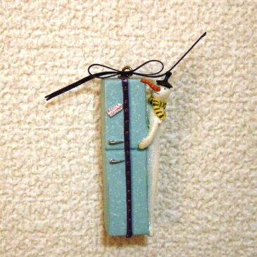 クリスマスツリーミニオーナメント【スノーマンwith冷蔵庫】高さ6cm