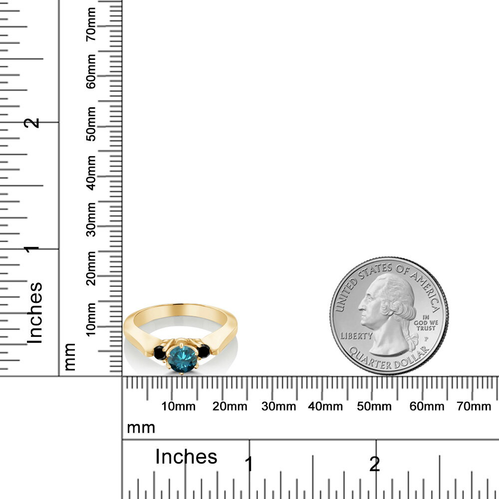 Gem Stone King 0.68カラット 天然 ブルーダイヤモンド シルバー925 イエローゴールドコーティング 指輪 リング レディース ブルー ダイヤ スリーストーン シンプル 天然石 4月 誕生石 金属アレルギー対応 誕生日プレゼント